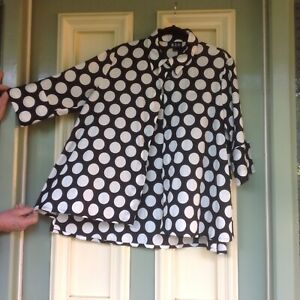 Nicola Waite oversize shirt size 3 excellent condition black and white spots