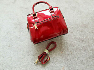 CHERRY RED PATENT HANDBAG WITH SHOULDER STRAP AND NEW