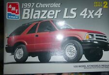 AMT 8981 1997 CHEVROLET BLAZER LS 4X4 FS MODEL CAR MOUNTAIN KIT 1/25