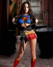 "MEGAN FOX IN A ""SUPERGIRL"" COSTUME - 8X10 PUBLICITY PHOTO (FB-459)"