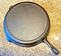 Vintage 3 Notch Unmarked Lodge No. 14 Cast Iron Skillet
