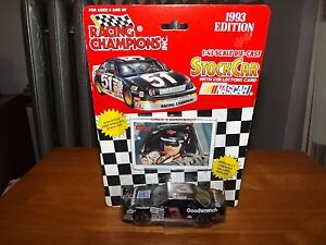 RACING CHAMPIONS 1993 EDITION DALE EARNHARDT W/COLLECTOR CARD, 1:43 SEALED RARE
