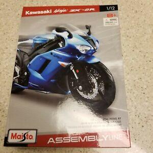Maisto ASSEMBLY LINE Kawasaki Ninja ZX-6R  Model Kit 1/12 (box slight damage)