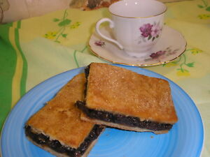 Home Made Large CURRANT SLICES x8    Family bakery Shop  FREE POSTAGE