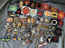 More details for job lot of ww1 & ww2 military cap badges/cloth patches &shoulder titles no reser