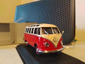 Minichamps Volkswagen T1 Samba bus Red & White 1:43