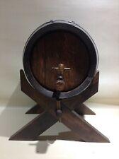 Ancien tonneau en bois Et fer forgé avec canule sur socle