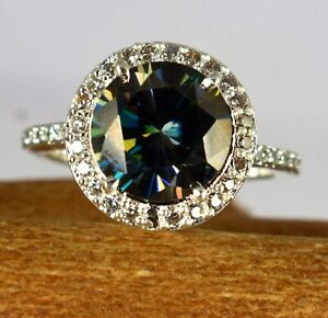 Very Elegant Style 5.82 Ct Green Diamond Solitaire Halo Engagement Promise Ring
