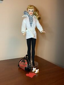 MATTEL BARBIE WINTER HOLIDAY REPRODUCTION DOLL - Complete FROM 2011