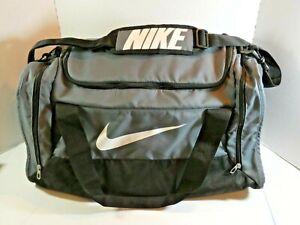 NIKE Sports Equipment/Duffle Bag 23x12x11 Gray Poly Shoulder Strap