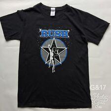 """Da Uomo Gildan NERO stampato """"RUSH"""""""" 2112"""" T Shirt Taglia M P-P 18"""" lunghezza 26"""""""
