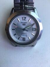 Seiko 5 Sports 7S26-03F0 Automatic 21 Jewels Day Date Glass Case Back Wristwatch