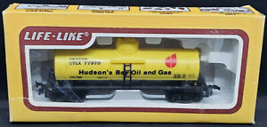 Life Like: HUDSON'S BAY OIL & GAS. UTLX 77970 HO yellow Tank Car. VINTAGE. H0