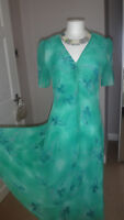 GRACE COLLECTION Green Floral Dress Size 12 - 14