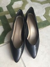 Vintage Womens Commuters By Connie Black Low Heel Shoes Size 7