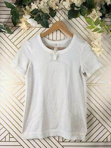 LULULEMON Run Swiftly White Short Sleeve Size 4 READ