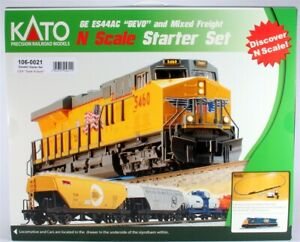 Kato 106-0021 CSX/Dark Future GE ES44AC GEVO N Gauge Diesel Freight Train Set