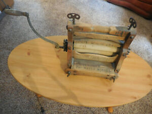 Antique horse shoe Washing Machine Ringer Hand Crank Early Rollers USA 1890's