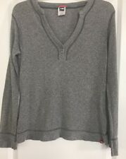 The North Face women's Sm Long Sleeve Top V-Neck Pullover Gray
