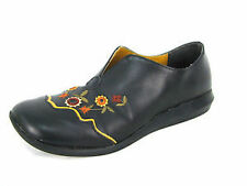 Women's Loafers and Moccasins in Floral Pattern