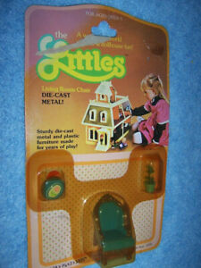 1980 The Littles Dollhouse Furniture by Mattel- Living Room Chair #1800
