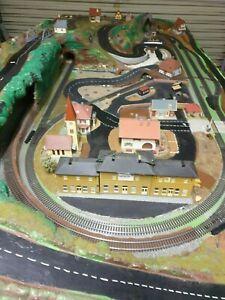Train set HO scale model.