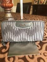 COACH crinkle fabric leather zip around wallet  (u600