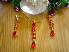 SET OF NECKLACE,PENDANT AND,EARRINGS,DE ORO YELLOW AND STONES RED RUBY