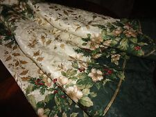 EX-CELL HOME FASHIONS CHRISTMAS GREEN HOLLY BERRIES OVAL TABLECLOTH 58 X 84