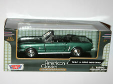 Motor Max - 1964 FORD MUSTANG Convertible (Green) - Model Scale 1:24