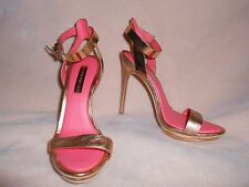 BCBG MAX AZRIA WOMAN'S BRUSHED GOLD w/ GOLD ANKLE STRAP PUMP SIZE 7 1/2 B
