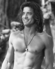 BRENDAN FRASER BARECHESTED PIN UP 8X10 B&W PHOTO