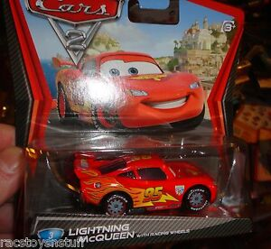 CARS 2 SERIES FIGURE LIGHTNING MCQUEEN WITH RUBBER WHEELS. MOC