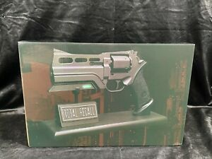HOLLYWOOD COLLECTIBLES GROUP TOTAL RECALL CHROME PROP REPLICA BLASTER STATUE