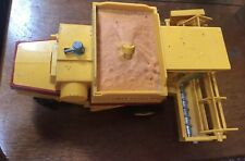 britains new holland Combine Harvester 1982 Tr85