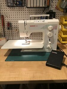 BERNINA 1008 Electronic Sewing machine W/ Extension Table and Foot Controller