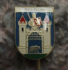 Beroun Brown Grizzly Bear Open Portcullis Heraldic Coat of Arms Crest Pin Badge