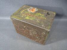 Ancienne petite boite en fer avec inscriptions en russe old russian box