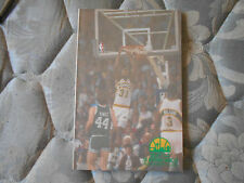 1989-90 SEATTLE SUPERSONICS GUIDE Yearbook SHAWN KEMP R Oklahoma City Thunder AD