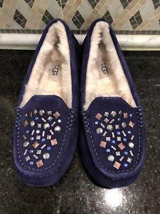 Women's UGG Ansley Stud II  Slippers- size 6- #1119100
