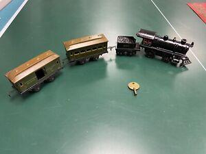 VINTAGE BING CAST IRON LOCOMOTIVE ENGINE TRAIN W/ 3 Passenger And Coal Car Old