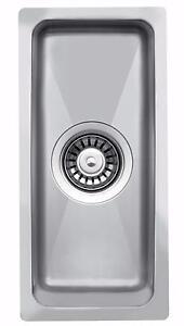 440 x 210mm Undermount/Inset 0.5 Half-Bowl Stainless Steel Kitchen Sink (LA015)