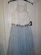 Juniors prom dress