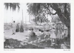 "~Post Card~*Mississippi-""Enjoying The Day"" ... @ /Biloxi, Mississippi/ (G31)"