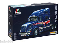 Italeri 3892 1/24 Scale Show Trucks Model Kit Volvo VN 780 US Tractor Truck