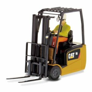 1:25 CAT EP16 C PNY Forklift by Diecast Masters in Yellow DM85504