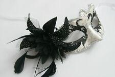 Ladies Negro Blanco Perlado De Plata Y Flor Veneciano Masquerade Máscara De Carnaval