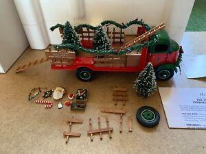 DANBURY MINT GMC THE 1930'S CHRISTMAS TRUCK W/ ACCESSORIES