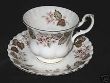 ROYAL ALBERT - Linden Lea - Scalloped - CUP AND SAUCER - 0136