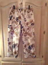 Chico's Design Cotton blend Blk/ Brown/ White Fern Print Capri Pants Sz. 1(M)